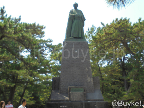 坊ちゃん 夏目漱石像